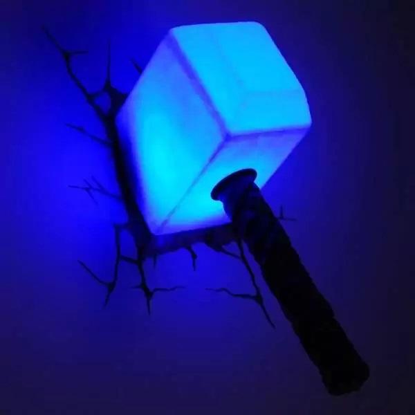 Лампа 'Молот Тора' из серии Marvel Avengers Night Lights от 3D Light FX