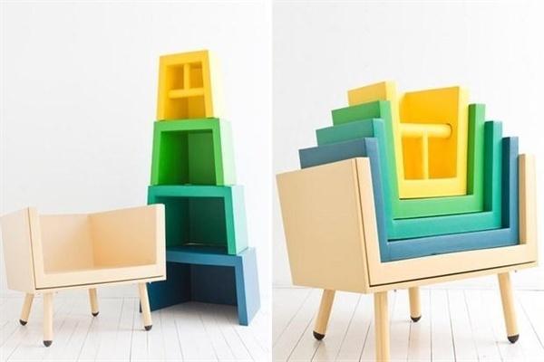 Stacking Throne – набор детских сидений 'на вырост'