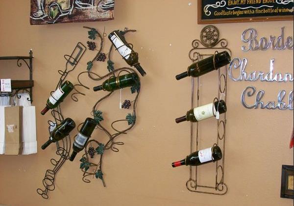 Настенный стеллаж для вина