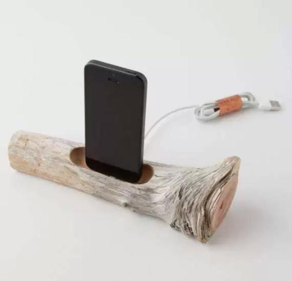 Anthropologie - высокотехнологичная 'ветка' для зарядки и подключения к USB iPhone 5