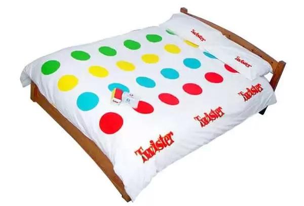 Пододеяльник Twister - необычное постельное белье для детей и взрослых, любящих поиграть