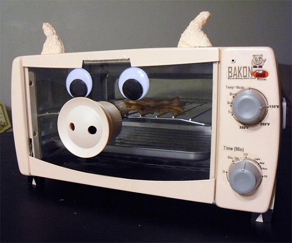 Bakon Alram Clock – будильник-печь для поджаривания бекона