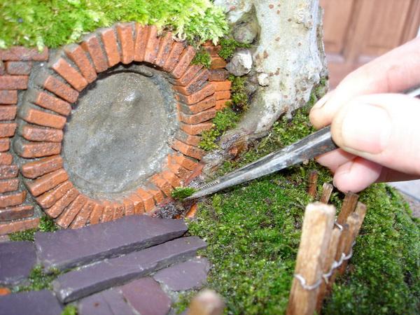 домик + дерево-бонсай от художника Chris Guise