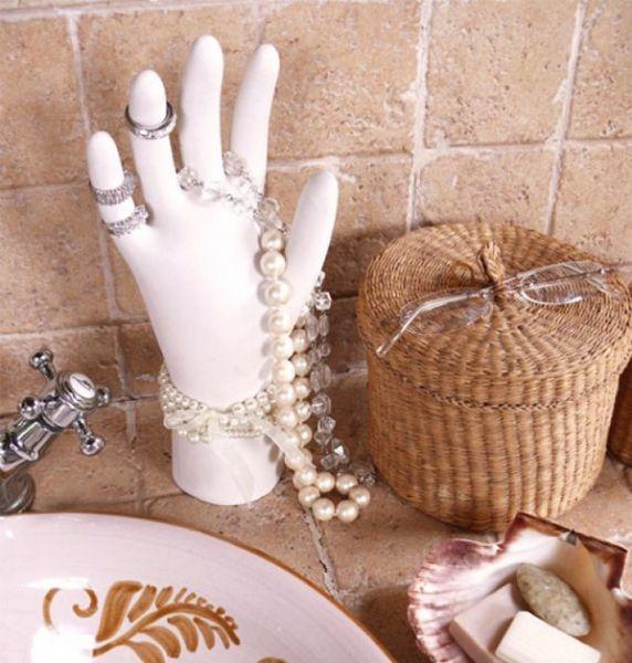 Декоративная ладонь для хранения украшений, созданная собственными руками