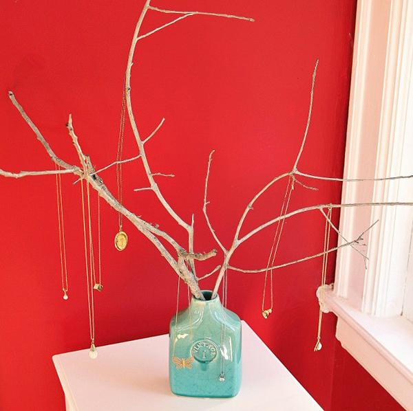 Декоративное дерево для хранения украшений