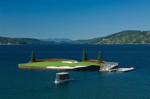 Поле для гольфа на острове от Scott Miller
