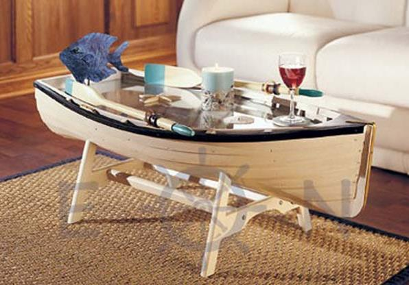 Кофейный столик в виде лодки от Everything Nautical