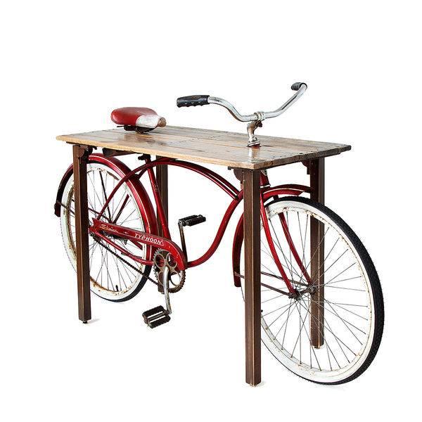 стол, встроенный в раму велосипеда