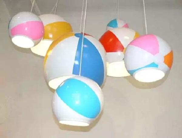 Beach Ball Lamps – набор светильников из старых пляжных мячей