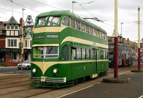 Двухэтажный трамвай в Блэкпуле