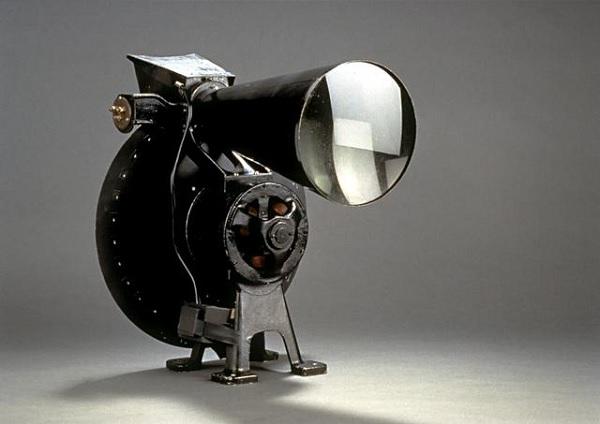 Французский ретро-телевизор Semivisor 1929 года выпуска