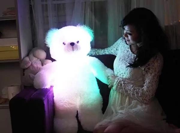 Glow-in-the-Dark Bear Pillow – плюшевый мишка, светильник и подушка