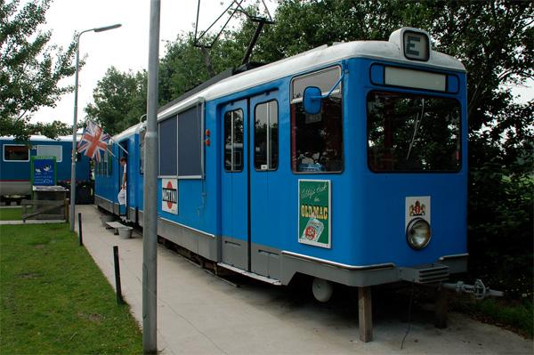Отель Controversy Tram Inn., расположенный в трамвае