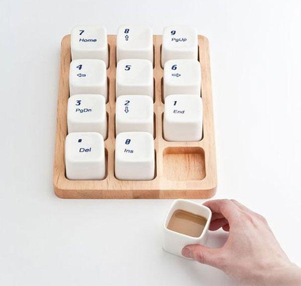 Клавиатура с чашками для эспрессо