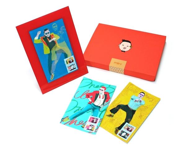 Коллекционные карточки и марки с изображением рэпера PSY и его автографом