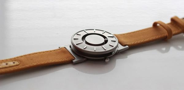 Часы Bradley