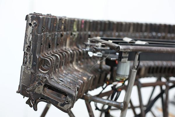 Механический оркестр «Disarm»/Разоружение.