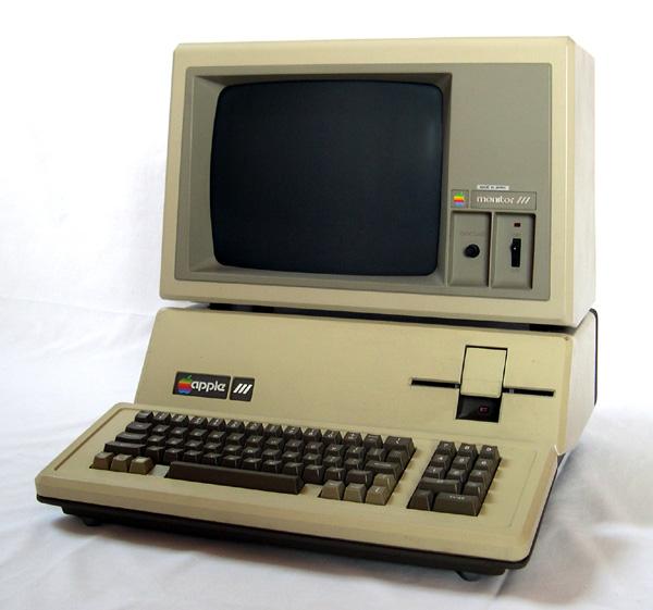 Провальный Apple III