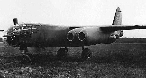 Первый в мире реактивный бомбардировщик Arado Ar 234