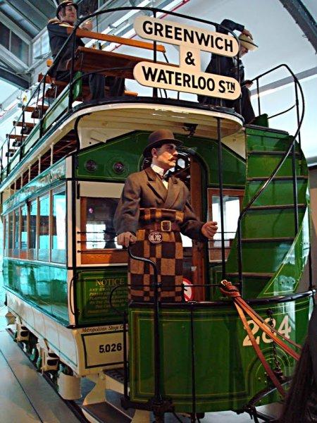 «Double-Decker» на лошадиной тяге в Лондонском музее транспорта
