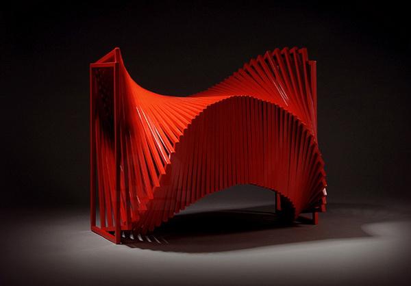 Вращающийся стул Revolving Chair от дизайнера Jeon Kyung, вид сзади