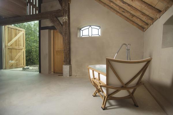 Оригинальная ванна в форме кресла от дизайнера Thomas Linssen