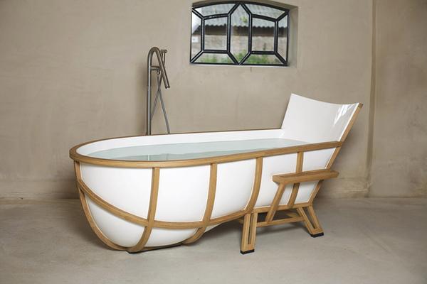 Ванна в форме кресла от Thomas Linssen