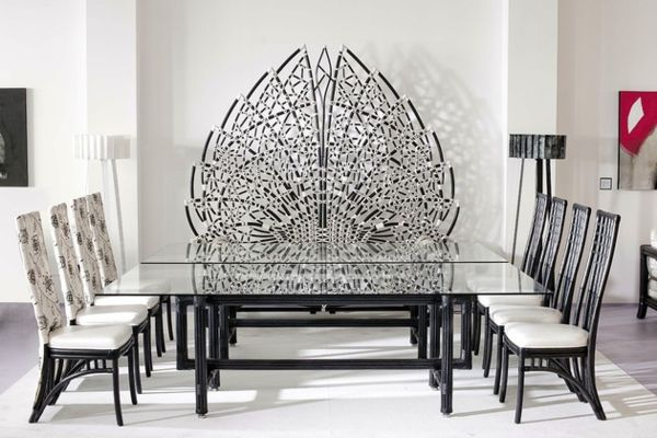 Оригинальная скамейка-трон