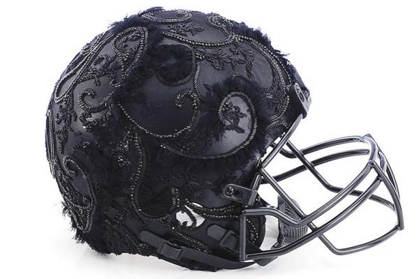Шлем от Marchesa