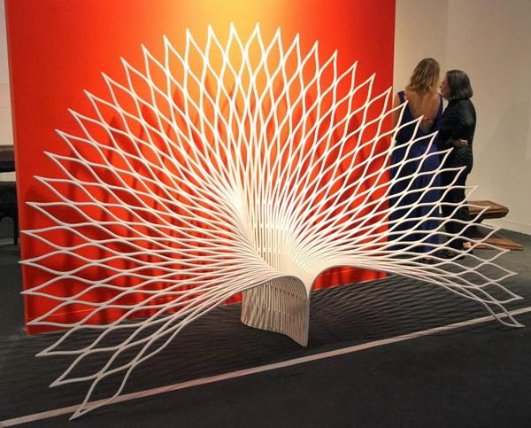 Кресло «Peacock» в форме павлина от канадской компании Uffie