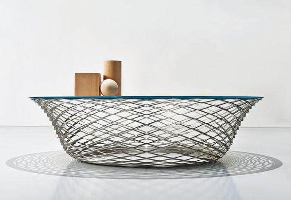 Teso: кружевной журнальный столик из стали от дизайнера Norman Foster