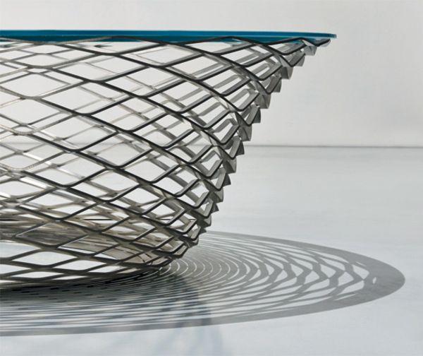 Teso: кружевной журнальный столик из стали