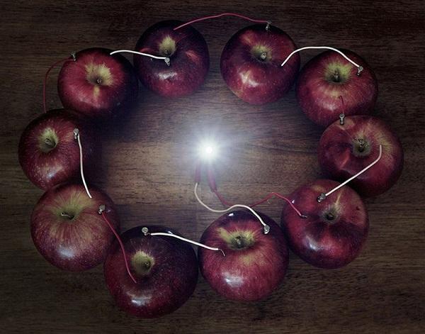 Яблоки - органические батареи
