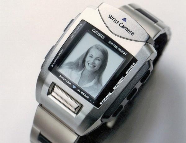 Casio WQV-1: первые часы с цифровой фотокамерой