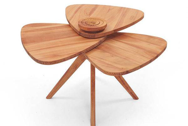Трёхлепестковый кофейный стол от Salih Teskeredzic