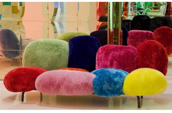 Разноцветный диван из 70-х