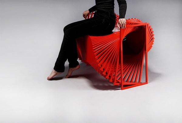Вращающийся стул «Revolving Chair» от дизайнера Jeon Kyung