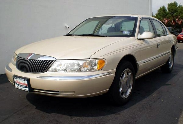 Lincoln Continental последнего поколения. Источник фото: Nationwideautogroup
