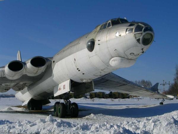 М-4 BISON - стратегический межконтинентальный реактивный бомбардировщик