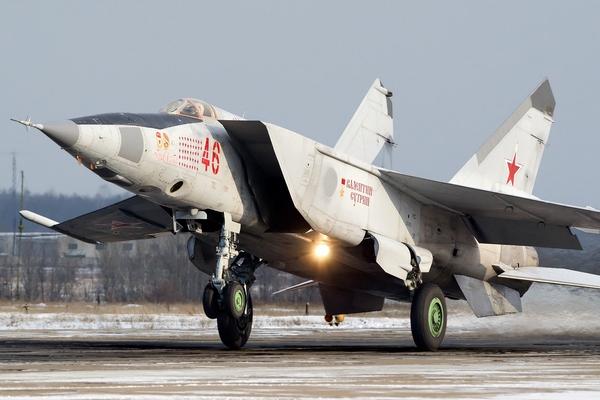 Самолет-перехватчик МиГ-25П