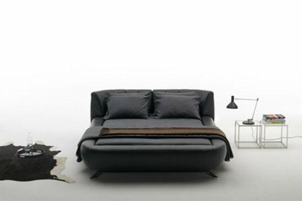 Оригинальная кровать-трансформер