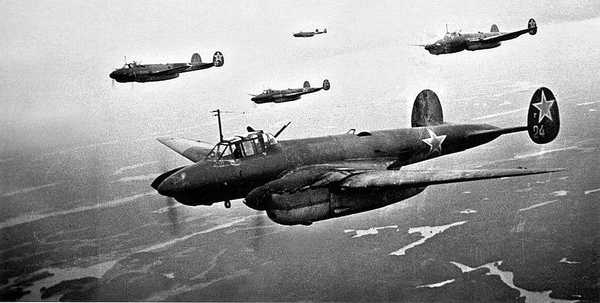 Пе-2 в небе. Фото: photobucket.com