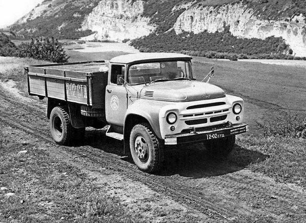 ЗИЛ-130 – универсальный грузовик. Источник фото: avto.at.ua