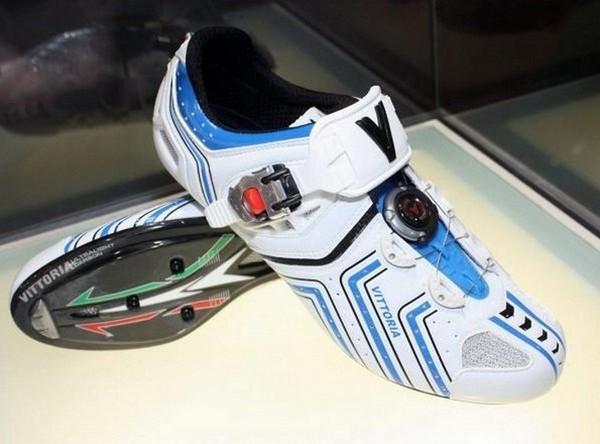 InShоe Wоnder – кроссовки для зарядки телефонов. Источник фото: econet.ru
