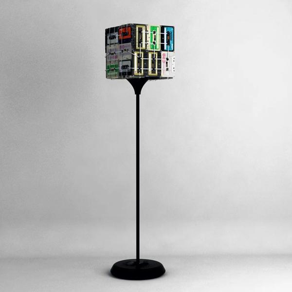 Напольный светильник с плафоном из кассет