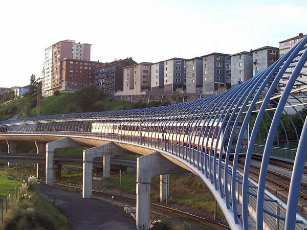 Линия метро от Нормана Фостера. Метрополитен Бильбао