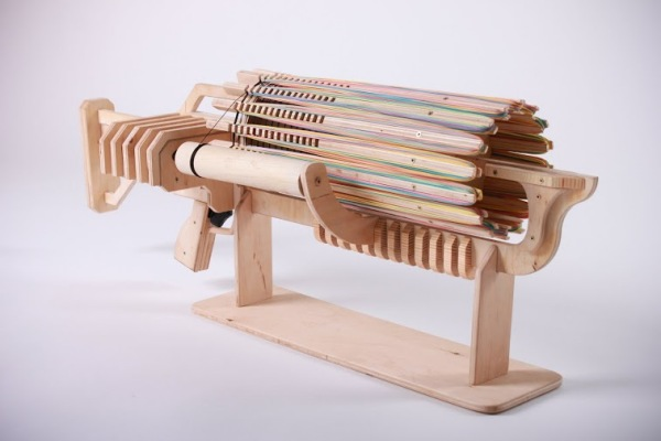 «Rubber Band Machine Gun» - деревянный самострел.