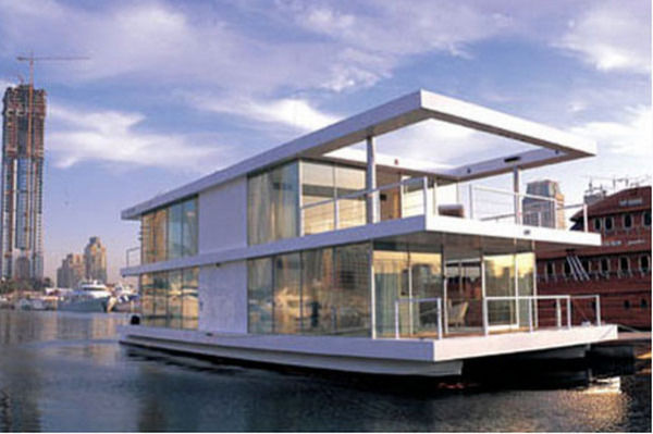Потрясающий современный дом на воде
