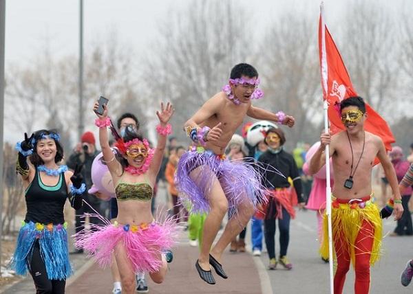 Марафонцы в Пекине