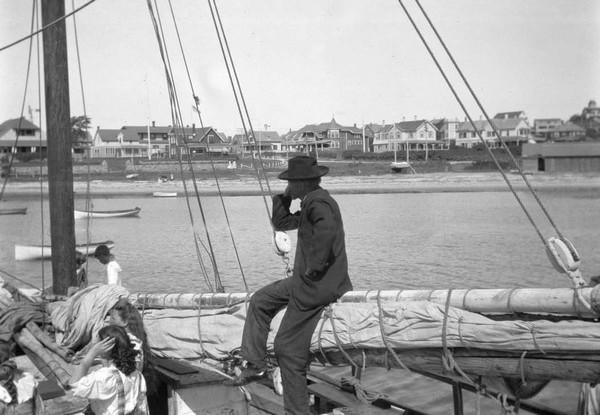 Джошуа Слокам на яхте Спрей. Источник фото: ptsail.org